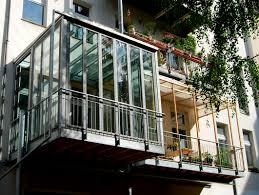 wintergarten balkon balkon mit wintergarten stahlblau