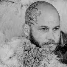 ragnar lothbrok cut his hair ragnar lothbrok medieval norse pinterest ragnar lothbrok