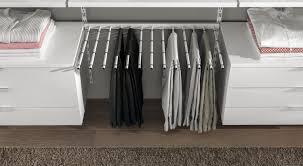 Schlafzimmer Mit Begehbarem Kleiderschrank Regalsystem Kleiderschrank Träume Erfüllen Regalraum