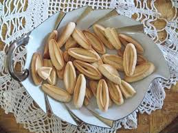 navette cuisine file navettes à la fleur d oranger jpg wikimedia commons