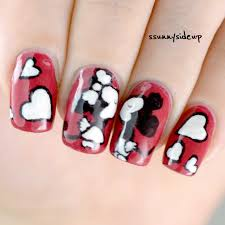 ssunnysideup mickey mouse kisses minnie mouse nails