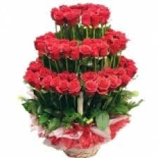 love magic beautiful arrangement of 100 red roses myflowergift