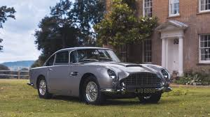 aston martin db5 becomes first classic car to be sold via social