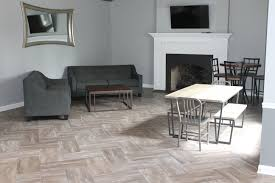 Kentwood Floors Reviews by Apartments In Kentwood Mi Woodland Creek Apartments