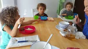Kids Eating Table It U0027s A Battle Getting Kids To Eat And I U0027m Losing Houston