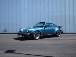 porsche turbo classic bill gates old porsche 911 turbo goes under the hammer extravaganzi