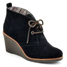 womens boots maur 687 best shoe envy images on gift wrapping sneaker