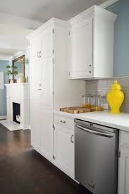 Install Crown Molding On Kitchen Cabinets Best 25 Cabinet Molding Ideas On Pinterest Kitchen Cabinet