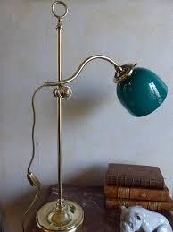 le de bureau opaline verte no 265 le de bureau ancienne en cuivre avec opaline verte