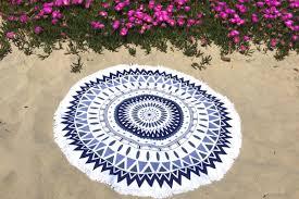 serviette de bain bio de plage ronde motif mandala bleu