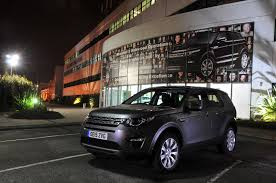 land rover britains a night in the jaguar land rover plant at halewood autocar