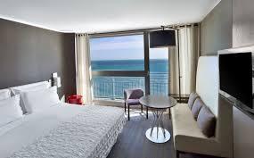 chambre d h es de luxe chambre deluxe vue mer le méridien meilleur tarif garanti