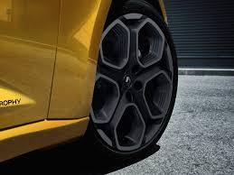 first look at new 2018 renault megane rs image 19 auto types