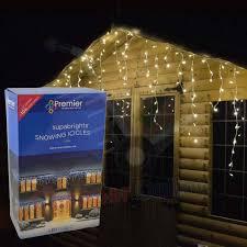 outdoor christmas icicle lights ne wall