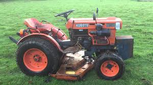 kubota b5100 2wd compact tractor with mower deck youtube
