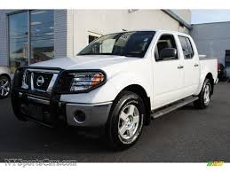nissan 2008 white 2008 nissan frontier se crew cab 4x4 in avalanche white 441182