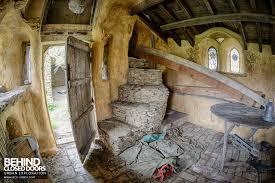eureka springs hobbit caves arafen