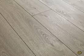 Quality Laminate Flooring Kronoswiss 12mm Interlaken Oak Laminate Floors Pinterest