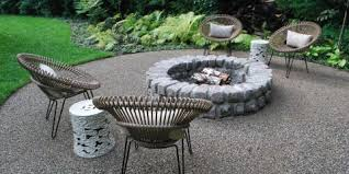Backyard Pebble Gravel Choosing The Right Landscaping Materials Pea Gravel Or River