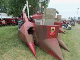 farmall 706 u0026 234 corn picker international farmall pinterest