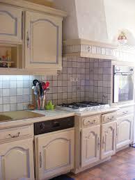 relooking cuisine rustique relooker une cuisine rustique en moderne relooker un meuble en bois