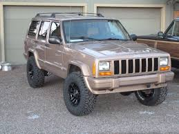 gold jeep cherokee 1999 jeep cherokee xj in gold this is a great look cars