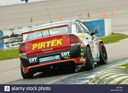 vauxhall vectra vxr andrew jordan tests the 2009 vauxhall vectra touring car stock