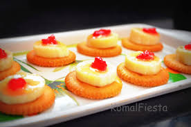and easy canapes monaco biscuits canapes komalfiesta