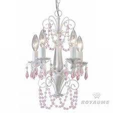 luminaires chambre fille chandelier blanc avec accents de cristaux roses