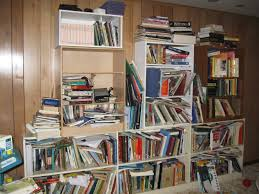 how to simplify and organize your homeschooling bookshelves