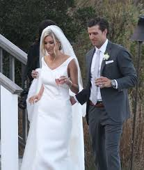 bachelor wedding wedding pic bachelor bischoff marries extratv