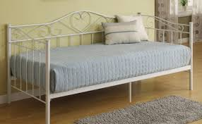 dreadful upholstered daybed with trundle tags white twin daybed
