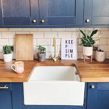 navy blue kitchen cabinets howdens fairford navy kitchen howdens kitchens kitchen interior