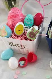 personalized easter egg baskets how to make personalized easter baskets for kids lou what wear