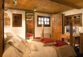 chambre insolite avec chambre avec intérieur des trolles nuit insolite haute savoie