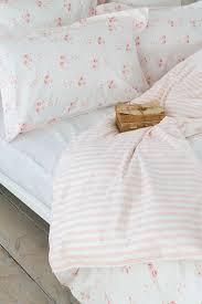 Feminine Bedroom Best 25 Feminine Bedroom Ideas On Pinterest Beauty Room