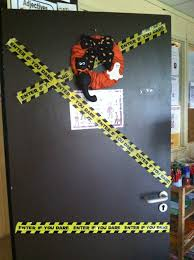 57 door halloween decorating ideas mummy with a message