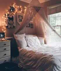 How To Decorate Your College Room Best 25 Dorm Room Canopy Ideas On Pinterest Dorm Bed Canopy