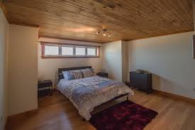 chambre sous sol maison fenêtre sur mer chalets appartements résidences de