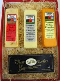 wisconsin cheese gifts organic wisconsin cheese gift box by cedar grove http
