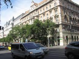 Bad Budapest Sehenswürdigkeiten Budapest Hauptstadt Von Ungarn In Fußgängerzone