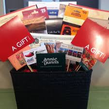 gift card fundraiser best 25 gift card basket ideas on silent auction