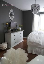 Grey Walls Bedroom A Guest Bedroom Makeover In Grays Benjamin Moore Auras And Primer
