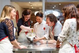 cours de cuisine atelier des chefs un cours de cuisine à l atelier des chefs à 4e wonderbox