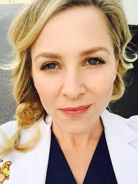 does kate capshaw have naturally curly hair jessica capshaw twitter wonderful women pinterest