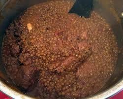 cuisiner à la cocotte minute recette de lentilles à la viande cocotte minute
