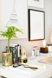 Christmas Decoration For An Office by Office How To Decorate An Office How To Decorate An Office Desk