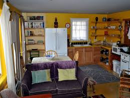 mapleton hill artists colorful apartment vrbo
