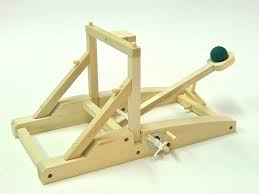 pathfinders catapult wooden kit toys2learn