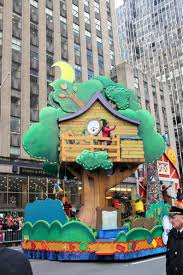 macy s thanksgiving day parade floats and faces bmore energy